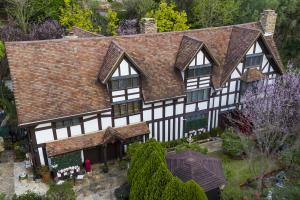 Replica of WILLIAMS SHAKESPEARE'S Birthplace